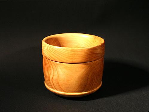 Bicchiere in legno di cipresso lavorato al tornio for Bicchieri in legno
